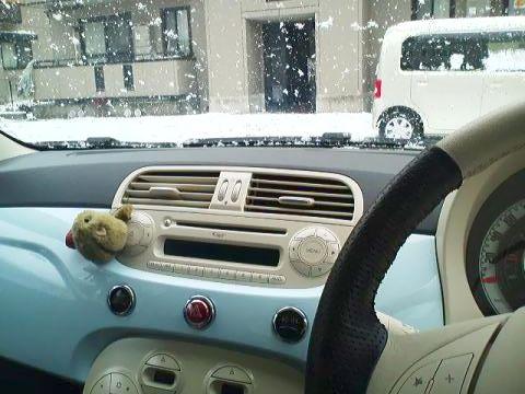 フィアット500 雪 冬