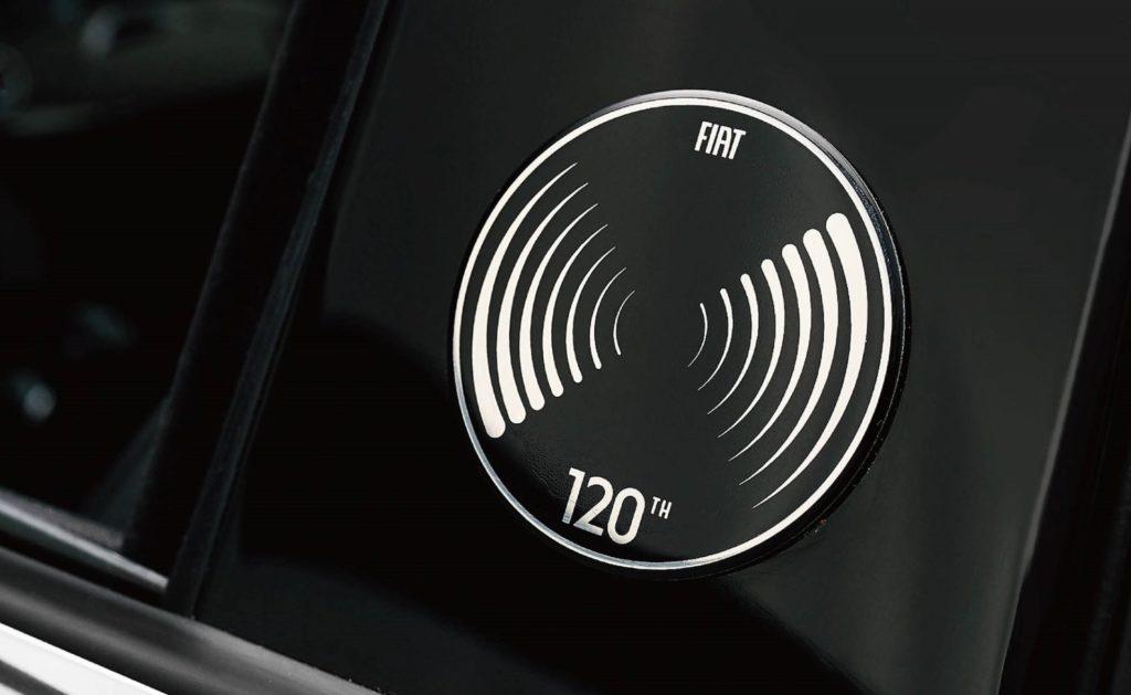 フィアット500 限定車 タキシード