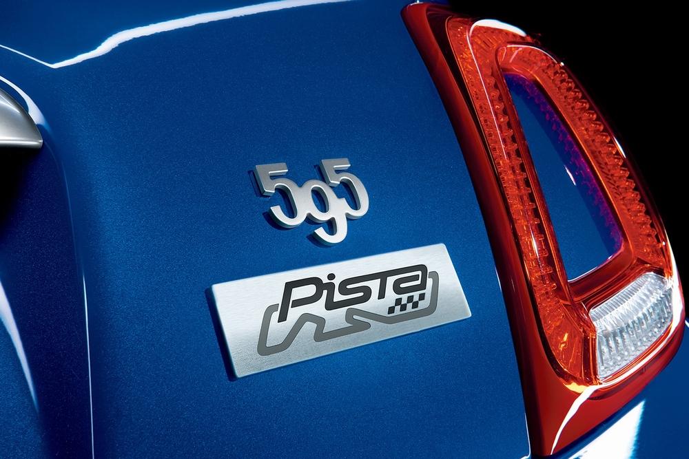2020 アバルト限定車 ABARTH595 Pista ピスタ エンブレム