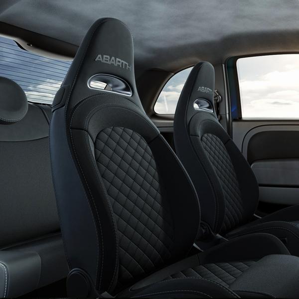 2020 アバルト限定車 ABARTH595 Pista ピスタ seat