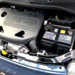 フィアット500 バッテリー交換|寿命・交換時期や費用は?アイドリングストップ不具合の原因に?